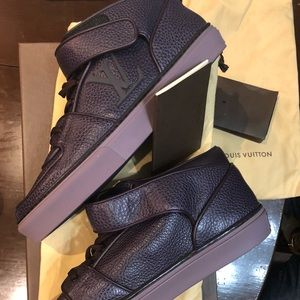 Louis Vuitton sz 11 . Brand New In Box